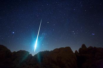 m_091215-01-geminid-meteor-california_big.jpg